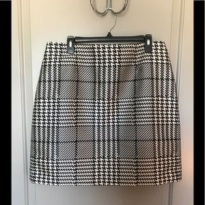 Ladies houndstooth suiting skirt